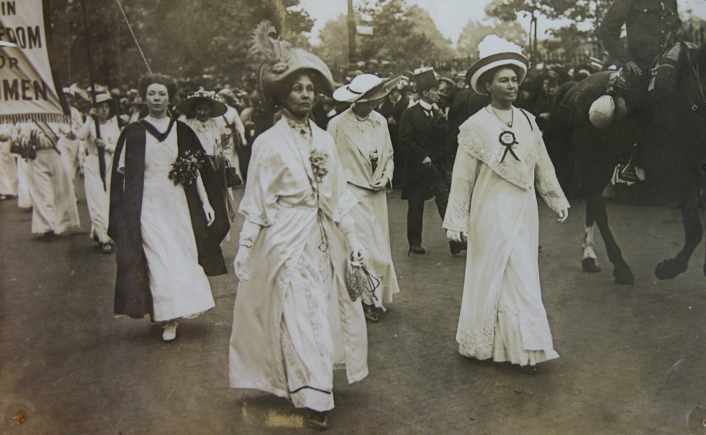 Emmeline Pethick-Lawrence with Mrs Pankhurst © The Women's Library