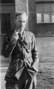 Leslie Howard in Uniform