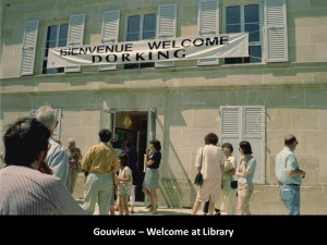 GOUVIEUX Welcome at Library