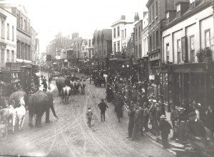 Atlee's Circus Arrives on Dorking High Street