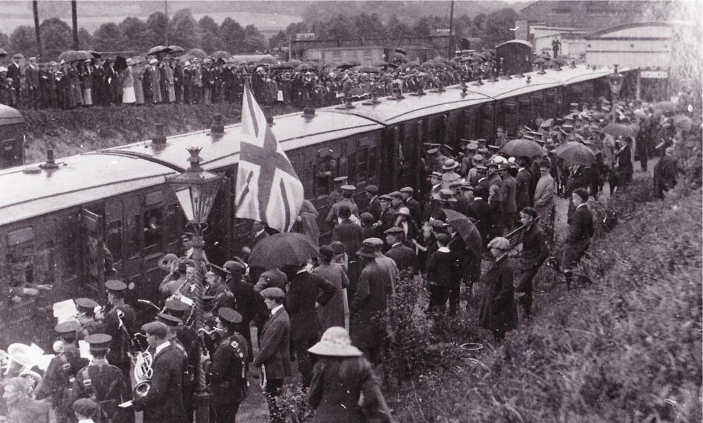 Troops at Dorking Station 1914