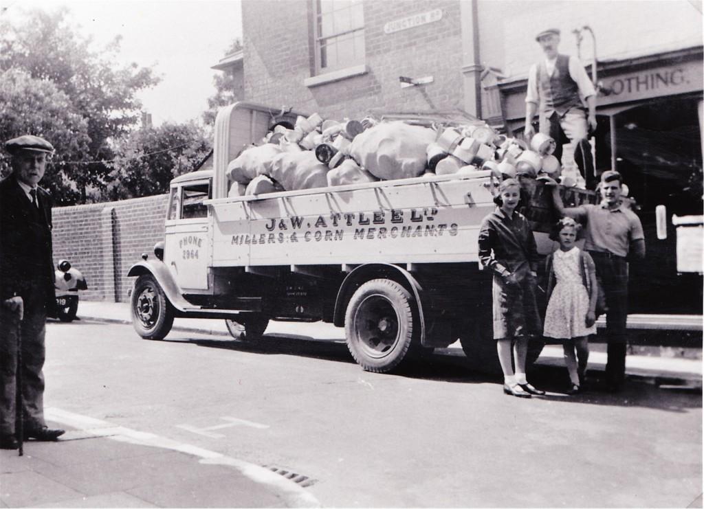 Aluminium collection 1940
